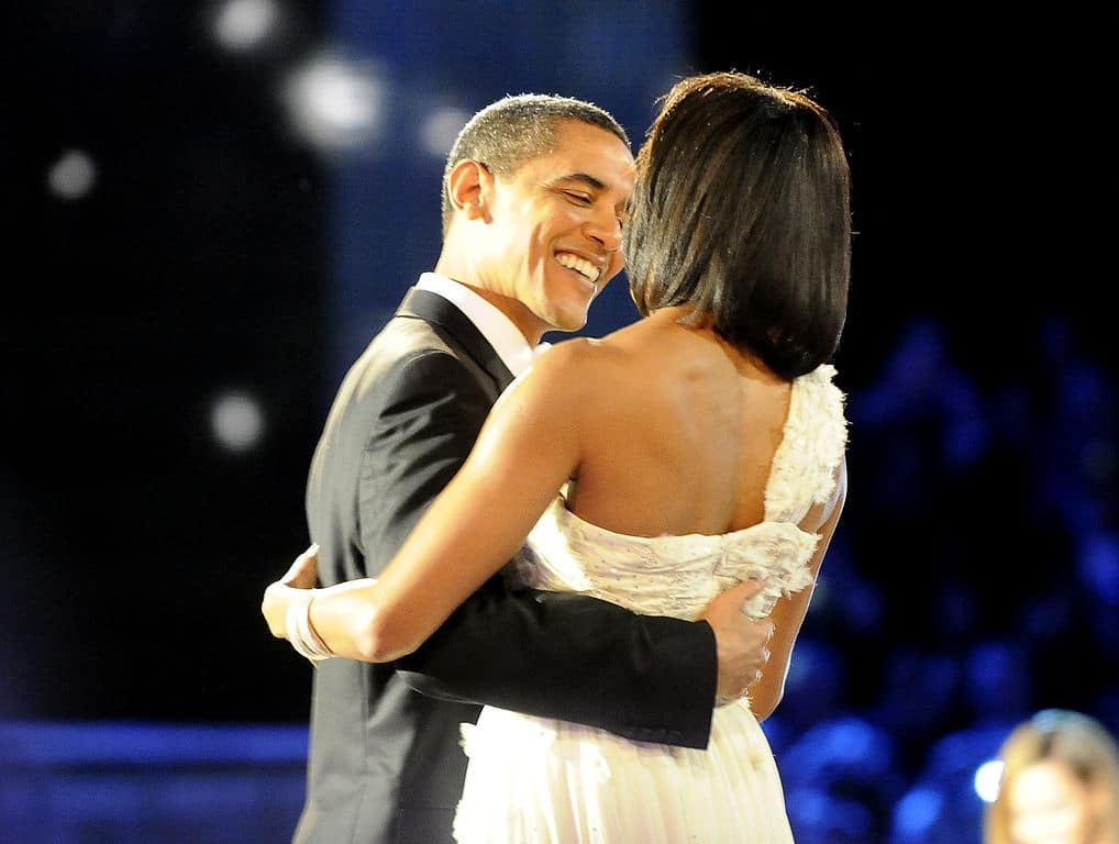 the obamas dance at the neighborhood ball
