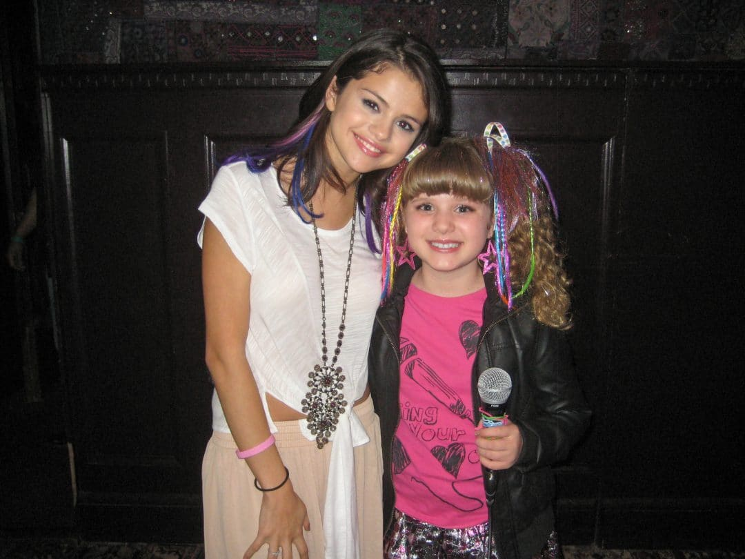 selena gomez in her youth with another girl selena gomez net worth